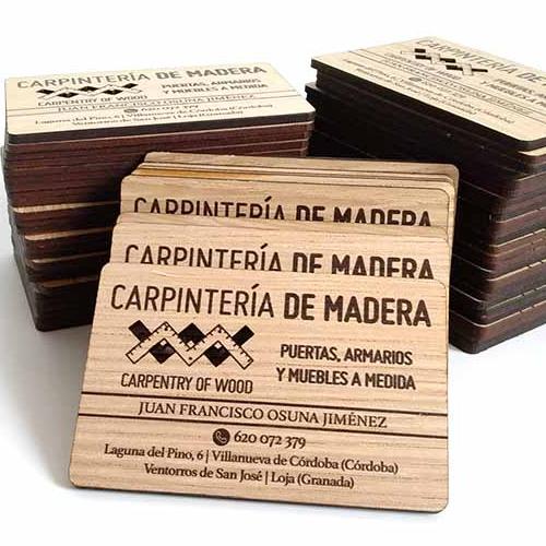 Tarjetas personales de madera