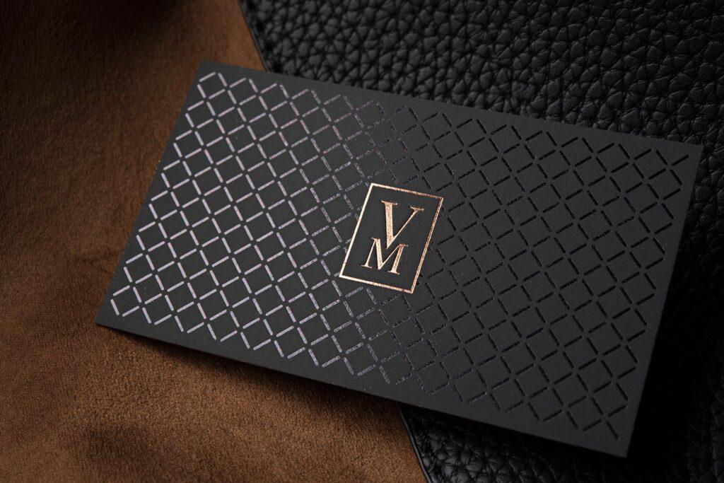 Impresión de tarjetas de presentación elegantes y profesionales.